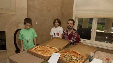 كيف اشترى هذا الرجل قطعتي بيتزا بـ 600 مليون دولار؟