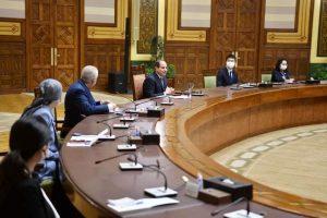 السيد الرئيس يجتمع بالخبراء اليابانيين المشرفين علي منظومة المدارس المصرية اليابانية