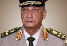 القائد العام للقوات المسلحة وزير الدفاع والإنتاج الحربى يغادر إلى قبرص