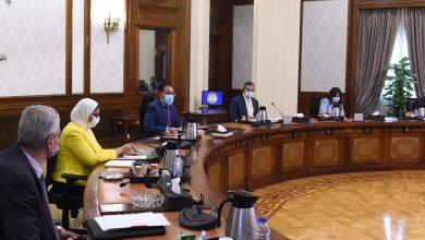 رئيس الوزراء يتابع جهود مواجهة كورونا وتوفير اللقاحات المضادة للفيروس