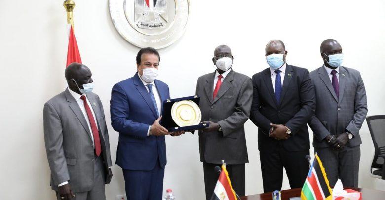 وزير التعليم العالي يبحث سبل تعزيز التعاون الثنائي مع جنوب السودان